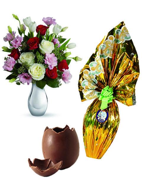 Bouquet di rose miste e uovo di pasqua
